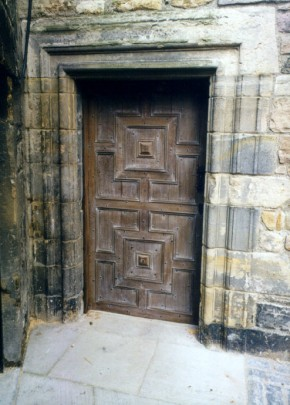 6-Edinburgh Castle North Door.24-002